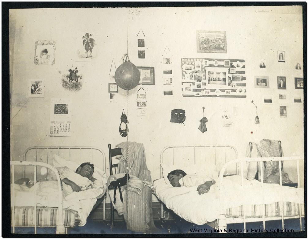 Interior of Men's Dormitory, Episcopal Hall, West Virginia University, Morgantown, W. Va.