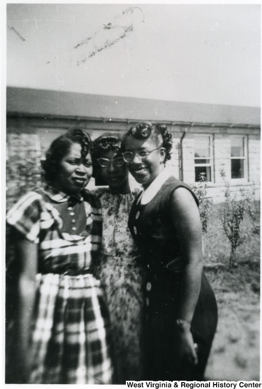 Casual group photo of Ruth Barnett, Lennie Wiley, and Annette Chandler Broome