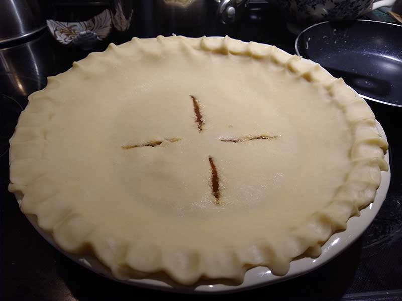 Unbaked two-crust pie