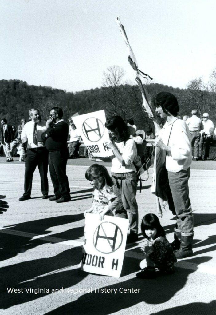 A family protesting Corridor H